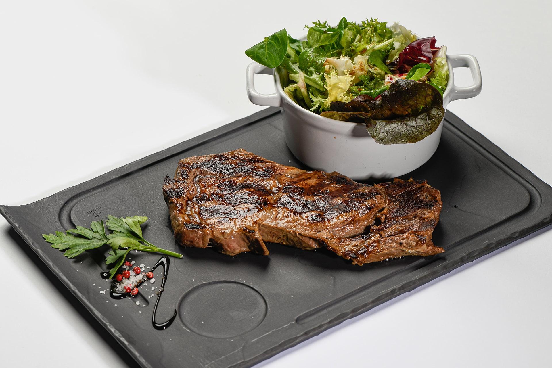 https://www.restaurant-st-julien.fr/wp-content/uploads/2021/06/restau-2-min.jpg